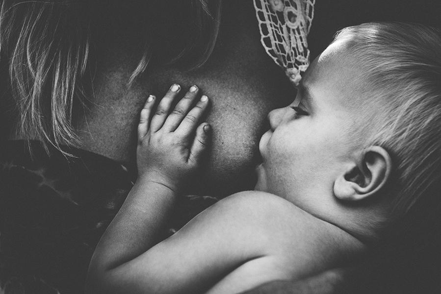 tammy-nicole-photography-newborn-baby-maternity-breastfeeding-english-espanol-munich-family308