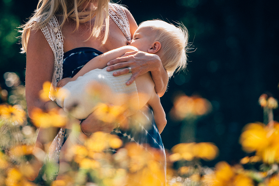 tammy-nicole-photography-newborn-baby-maternity-breastfeeding-english-espanol-munich-family309