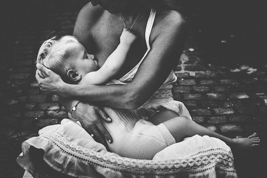 tammy-nicole-photography-newborn-baby-maternity-breastfeeding-english-espanol-munich-family310